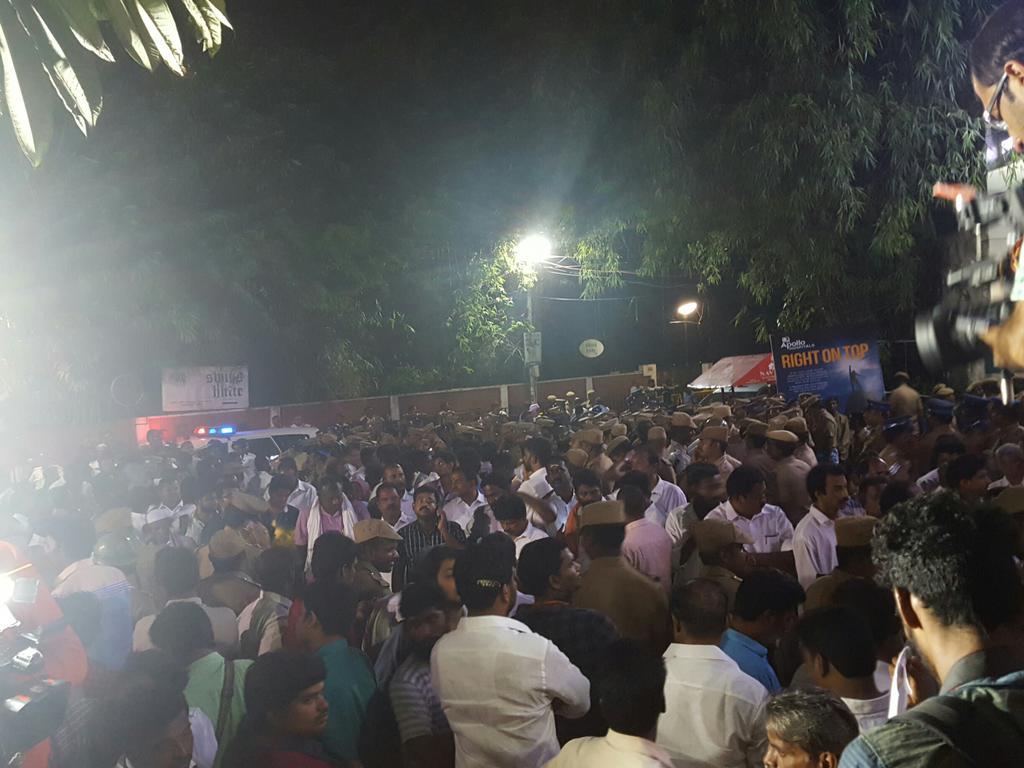 Crowd waiting outside Apollo hospitals Chennai to verify news about Jayalalithaa's death